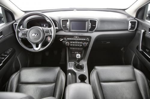 KIA Sportage 1.6i + GPS + TREKHAAK + LEDER + CAMERA + PDC