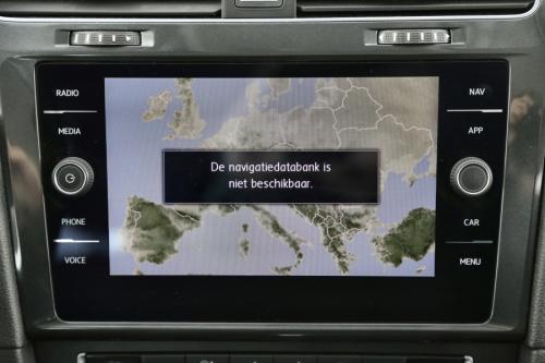 VOLKSWAGEN Golf 1.6 TDI DSG + GPS + CARPLAY + CAMERA + PDC