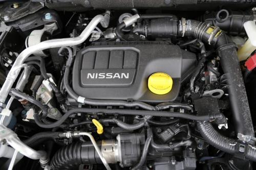 NISSAN Qashqai 1.2 DIG-T TEKNA X-TRONIC + GLASS ROOF + ALU + GPS + CAMERA + PDC