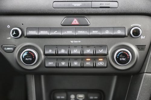 KIA Sportage 1.6I + GPS + CAMERA + PDC