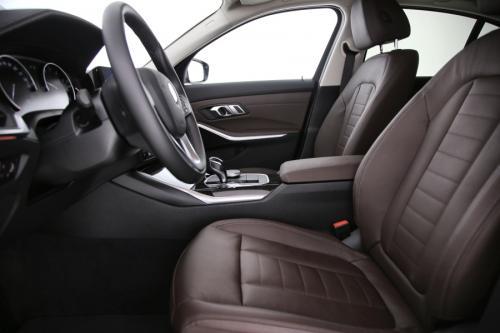 BMW 320 iA Limousine Luxury Line + GPS + LEDER + CAMERA + PDC