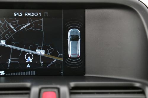 VOLVO XC60 Summum 2.0D3 GearTronic + GPS + LEDER + TREKHAAK + XENON/LED + PDC