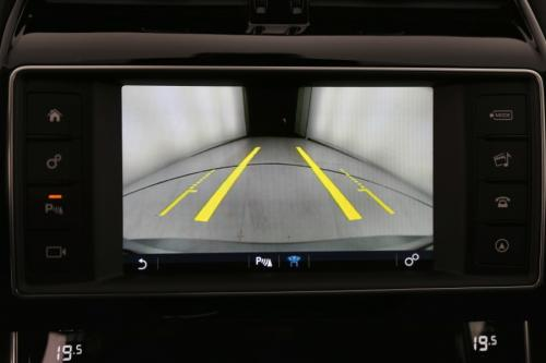 JAGUAR XE Prestige 2.0d + GPS + LEDER + CAMERA + PDC + XENON + ALU 17