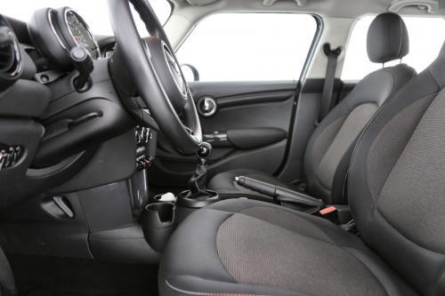MINI Cooper 1.5i + GPS +PDC + CRUISE + AIRCO + ALU