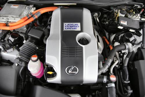 LEXUS RC 300h 2.5i Hybrid + GPS + LEDER + CAMERA + PDC + ALU 19