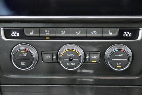 VOLKSWAGEN Golf Variant ComfortLine 1.5 TGI BlueMotion + GPS + LEDER + CAMERA + PDC + CRUISE + ALU 16