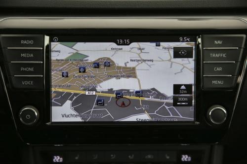 SKODA Superb COMBI 1.6 CRTDI + GPS + LEDER + CAMERA + PDC