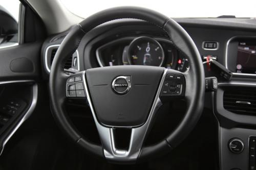 VOLVO V40 CROSS COUNTRY Summum 2.0D3 GearTronic + GPS + LEDER + CAMERA + PDC + CRUISE + ALU 17