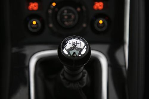PEUGEOT 3008 Allure 1.6 BlueHDI + GPS + CAMERA + PDC + PANO DAK + CRUISE + ALU 17 + XENON