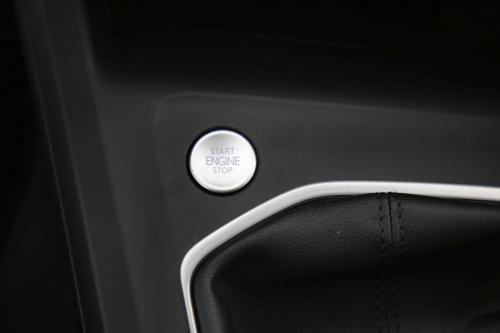 VOLKSWAGEN Golf GOLF 8 1.0 TSI LIFE + CARPLAY + DIGITAL COCKPIT + LED + CAMERA + PDC