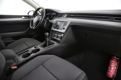 VOLKSWAGEN Passat Variant TrendLine BlueMotion 1.6 TDI + GPS + CAMERA + PDC + CRUISE + AIRCO + ALU 17