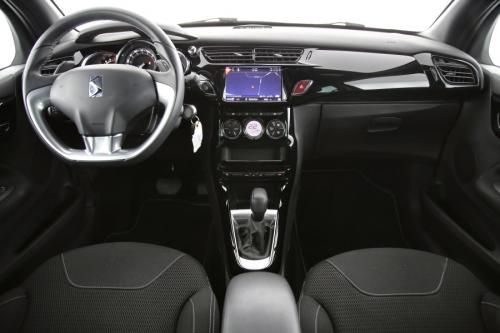 DS DS 3 So Chic 1.2 PureTech + A/T + GPS + CAMERA + PDC VOOR + CRUISE + ALU 16