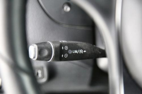 MERCEDES-BENZ GLA 180 STYLE DA + GPS + PDC + CRUISE + AIRCO + ALU 17