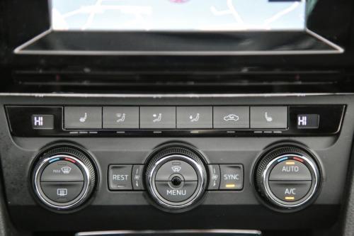 SKODA Superb Combi Ambition 1.6 CRTDI + GPS + CAMERA + PANO DAK + PDC + CRUISE + ALU 16
