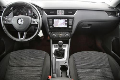 SKODA Octavia Combi 1.6 CRTDI GreenTec Ambition + GPS + CAMERA + PDC + CRUISE + ALU 18