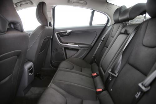 VOLVO S60 Kinetic 2.0D2 + GPS + PDC + CRUISE + AIRCO + ALU 16