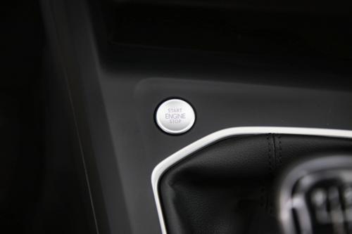 VOLKSWAGEN Golf 1.0 TSI LIFE + CARPLAY + DIGITAL COCKPIT + LED + PDC