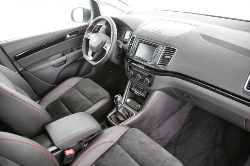 SEAT Alhambra 2.0 TDI FR-LINE 7PL. + GPS + CARPLAY + CAMERA + PDC