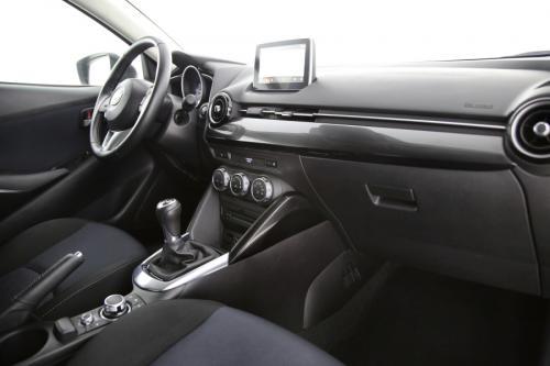 MAZDA 2  Ginza 1.5 SkyActive -G + GPS + PDC + CRUISE + AIRCO + ALU 16