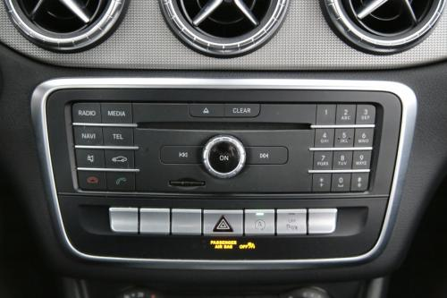 MERCEDES-BENZ CLA 180 Shooting Brake d + GPS + PDC + AIRCO + ALU 18