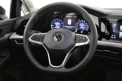 VOLKSWAGEN Golf GOLF 8 1.0 TSI LIFE + CARPLAY + DIGITAL COCKPIT + LED + CAMERA + PDC