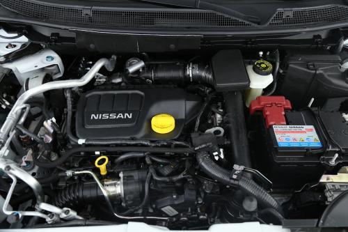 NISSAN Qashqai TEKNA 1.2 DIG-T + GPS + LEDER + PDC + CAMERA + PANO DAK + ALU 19