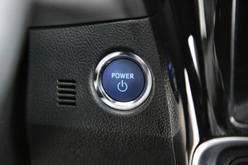 TOYOTA Auris  1.8 HYBRIDE LOUNGE + GPS + CAMERA + PDC