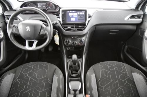 PEUGEOT 2008  ACTIVE 1.6 BLUEHDI + PDC + CRUISE + AIRCO