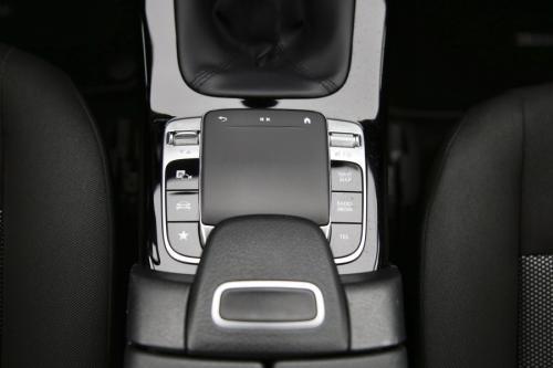 MERCEDES-BENZ A 160 I + GPS + CAMERA + PDC + CRUISE + AIRCO + ALU 16