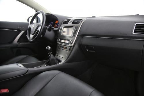 TOYOTA Avensis 2.0 D-4D PREMIUM + GPS + LEDER + PANO + CAMERA + PDC