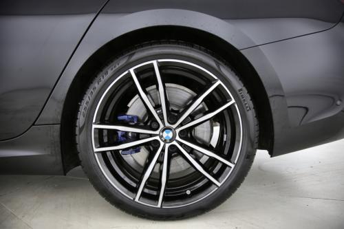 BMW 330 DA TOURING M-SPORT + GPS + HALF-LEDER + CAMERA + PDC
