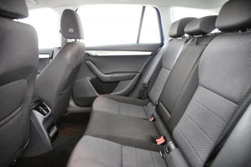 SKODA Octavia Combi 1.6 CRDI Ambinte + GPS + PDC + CRUISE + AIRCO + ALU 16