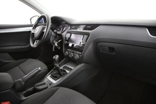 SKODA Octavia COMBI 1.6 CRDI + GPS + PDC + CRUISE + AIRCO + ALU 16