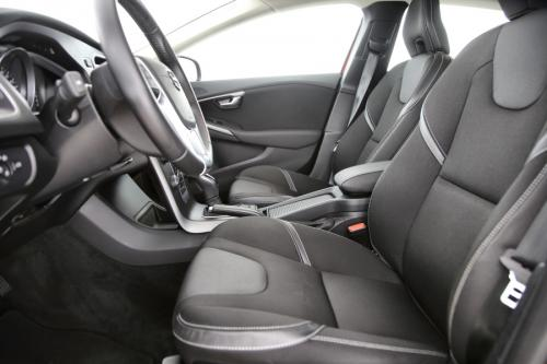 VOLVO V40 1.5 T2 BLACK EDITION GEARTRONIC + GPS + CAMERA + PDC + CRUISE + ALU 16