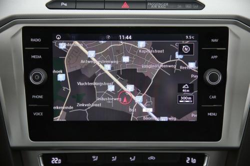 VOLKSWAGEN Passat Variant ComfortLine 1.6 TDI DSG + GPS + CAMERA + PDC + CRUISE + ALU 16