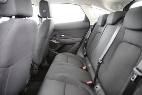 JAGUAR E-Pace D150 FWD + GPS + CAMERA + PDC + AIRCO + ALU 17