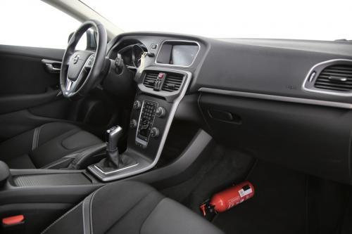 VOLVO V40  2.0 T2 Black Edition + GPS + PDC + CRUISE + AIRCO + ALU 16