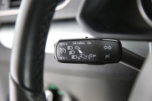 SKODA Superb  COMBI AMBITION 1.6 TDI DSG + GPS + CAMERA + PDC + CRUISE + TREKHAAK + ALU 16