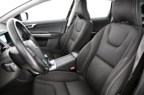 VOLVO XC60 KINETIC 2.0D3  + GPS + PDC + CRUISE + AIRCO + ALU 17