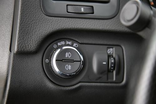 OPEL Insignia COSMO 1.6 CDTI + A/T + GPS + LEDER + PDC + CRUISE + XENON + ALU 17