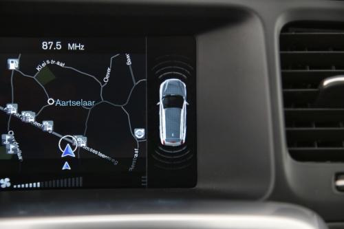 VOLVO V60 CROSS COUNTRY  2.0D3 SUMMUM + GPS + LEDER + PDC + CRUISE + ALU 18