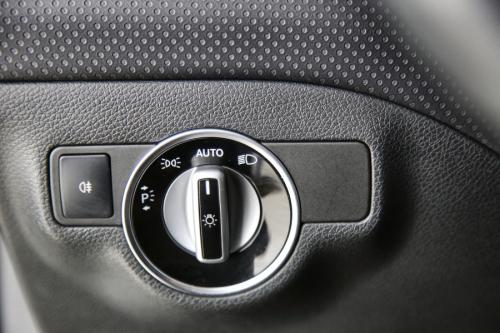 MERCEDES-BENZ A 200  STYLE D + GPS + LEDER + CAMERA + PDC + PANO DAK + ALU