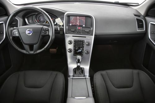 VOLVO XC60 KINETIC 2.0 D3 GEARTRONIC + GPS + PDC + CRUISE + ALU 17