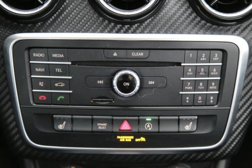 MERCEDES-BENZ GLA 180 D 7G-DCT + GPS + LEDER + CAMERA