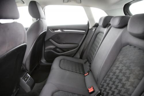 AUDI A3 SPORTBACK 1.6 TDI ULTRA ATTRACTION + GPS + PDC + XENON/LED