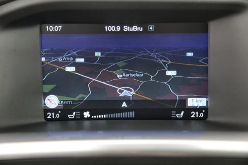 VOLVO V60 CROSS COUNTRY MOMENTUM 2.0 D3 + GPS + LEDER + PDC + TREKHAAK