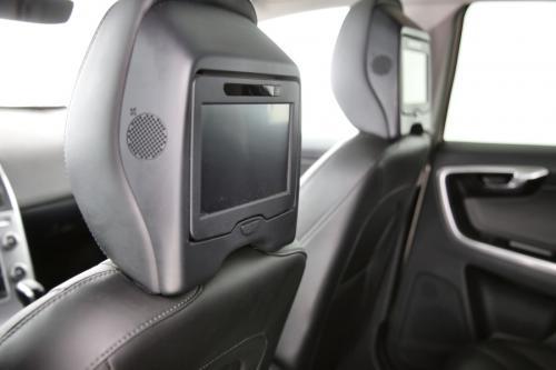VOLVO XC60  SUMMUM 2.0D4 + GPS + LEDER + CAMERA + PANO DAK + PDC + TREKHAAK + XENON + ALU 18