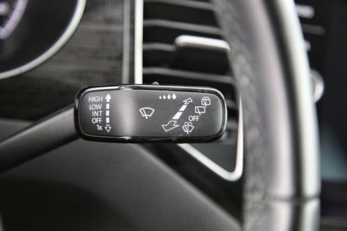VOLKSWAGEN Golf Sportsvan HIGHLINE 1.0 TSI + GPS + CAMERA + PDC + PANO DAK + CRUISE + AIRCO + ALU 16