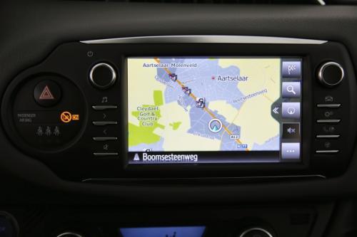 TOYOTA Yaris 1.5 HYBRID E-CVT COMFORT + GPS + CAMERA + PDC