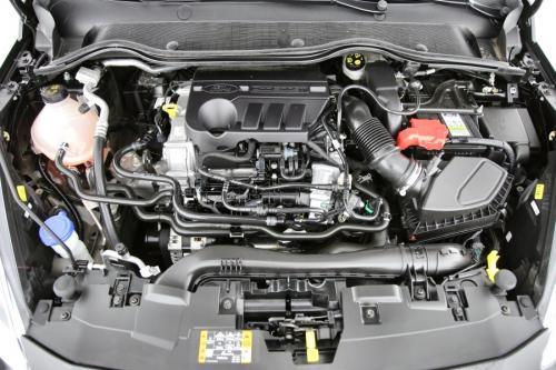 FORD Fiesta TITANIUM 1.0I + CARPLAY + LED + PDC